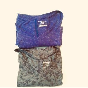 2 Tek Gear DryTek v neck short sleeved t-shirts M